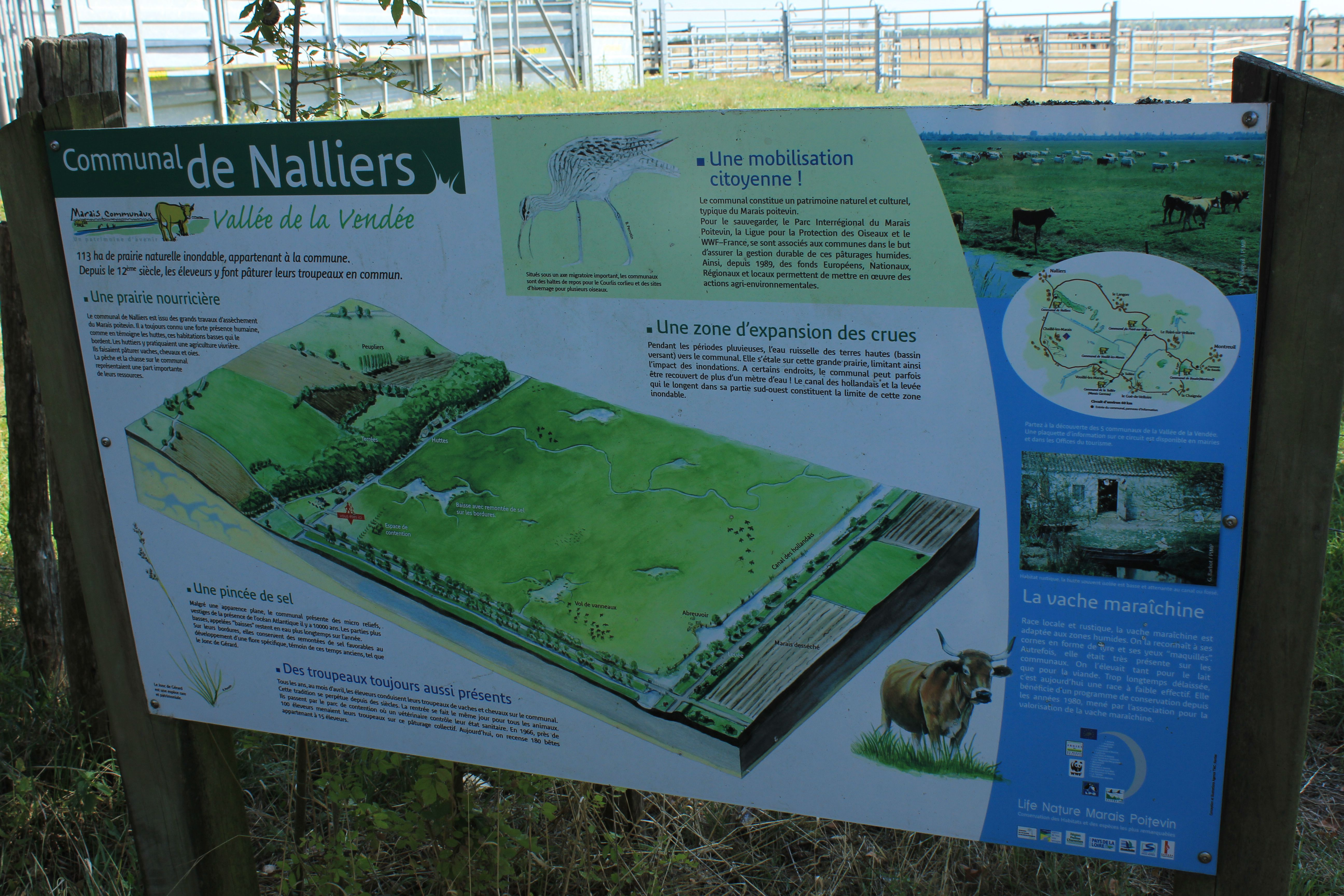 Information board about the project in Nalliers.
