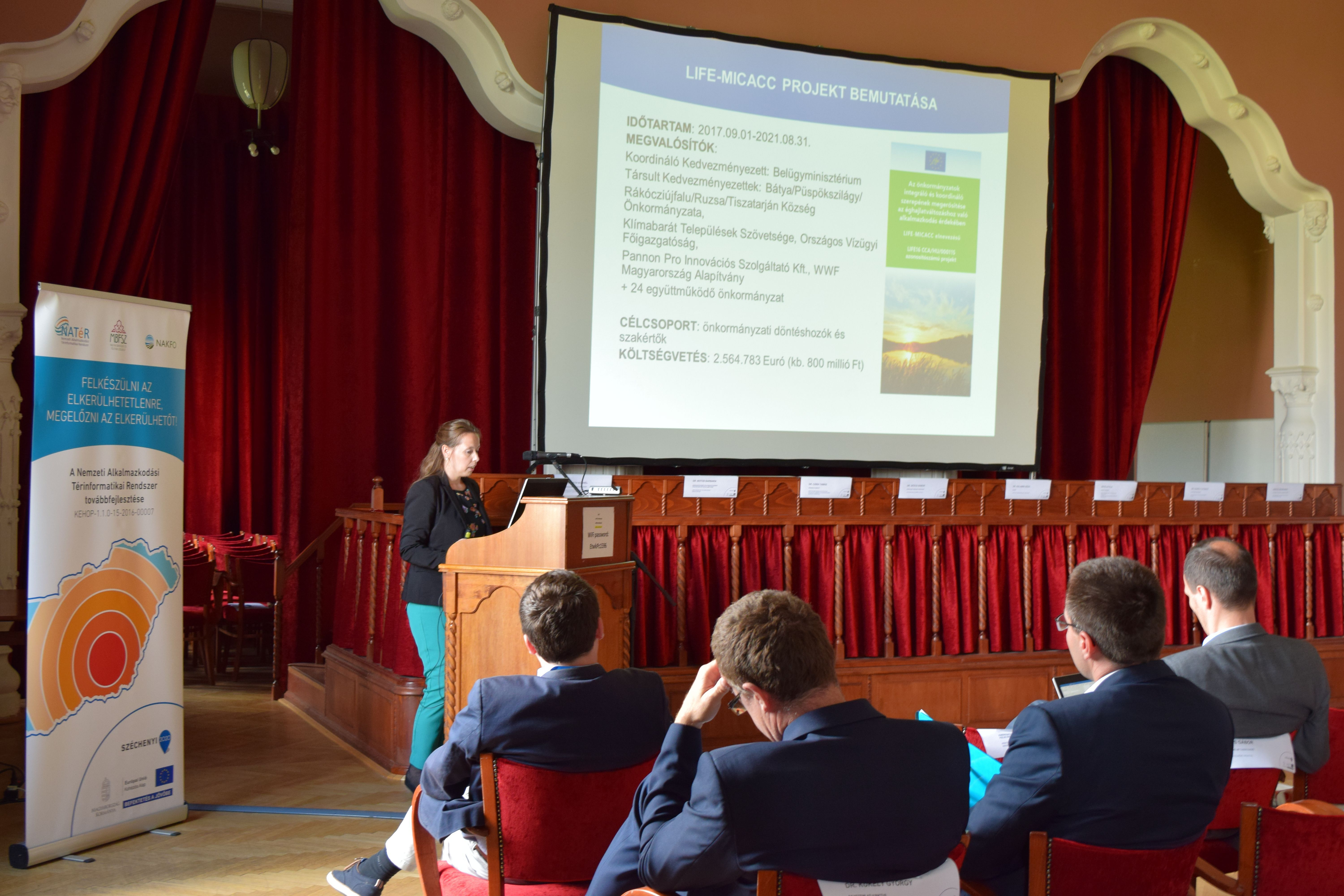 Zsuzsanna Hercig presenting the LIFE-MICACC project to the audience